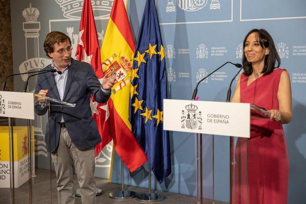 El alcalde de Madrid, José Luis Martínez-Almeida, y la delegada del Gobierno, Mercedes...