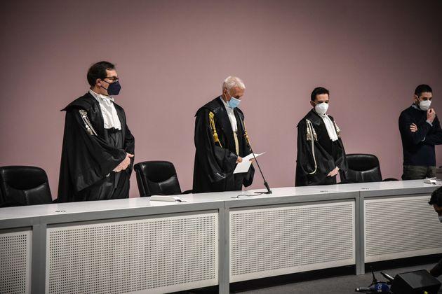 I giudici durante la lettura della sentenza del Tribunale di Milano per i 15 imputati, società comprese,...