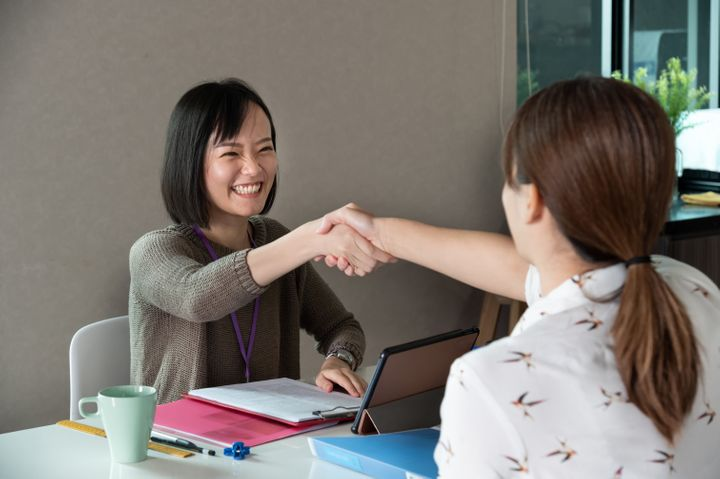 These are the go-to job interview questions recruiters and HR specialists ask when they want to know how a candidate <i>really</i> thinks.