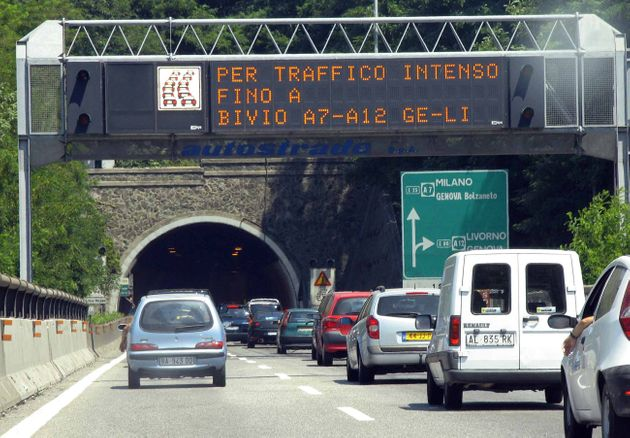 Rallentamenti e code sulle autostrade
