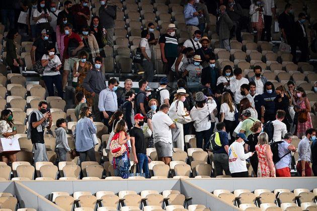 À Roland-Garros, le tournoi nocturne évacué par le couvre