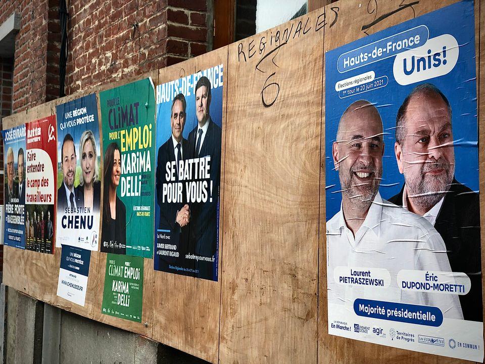 Panneau électoral à Cousolre (Nord)