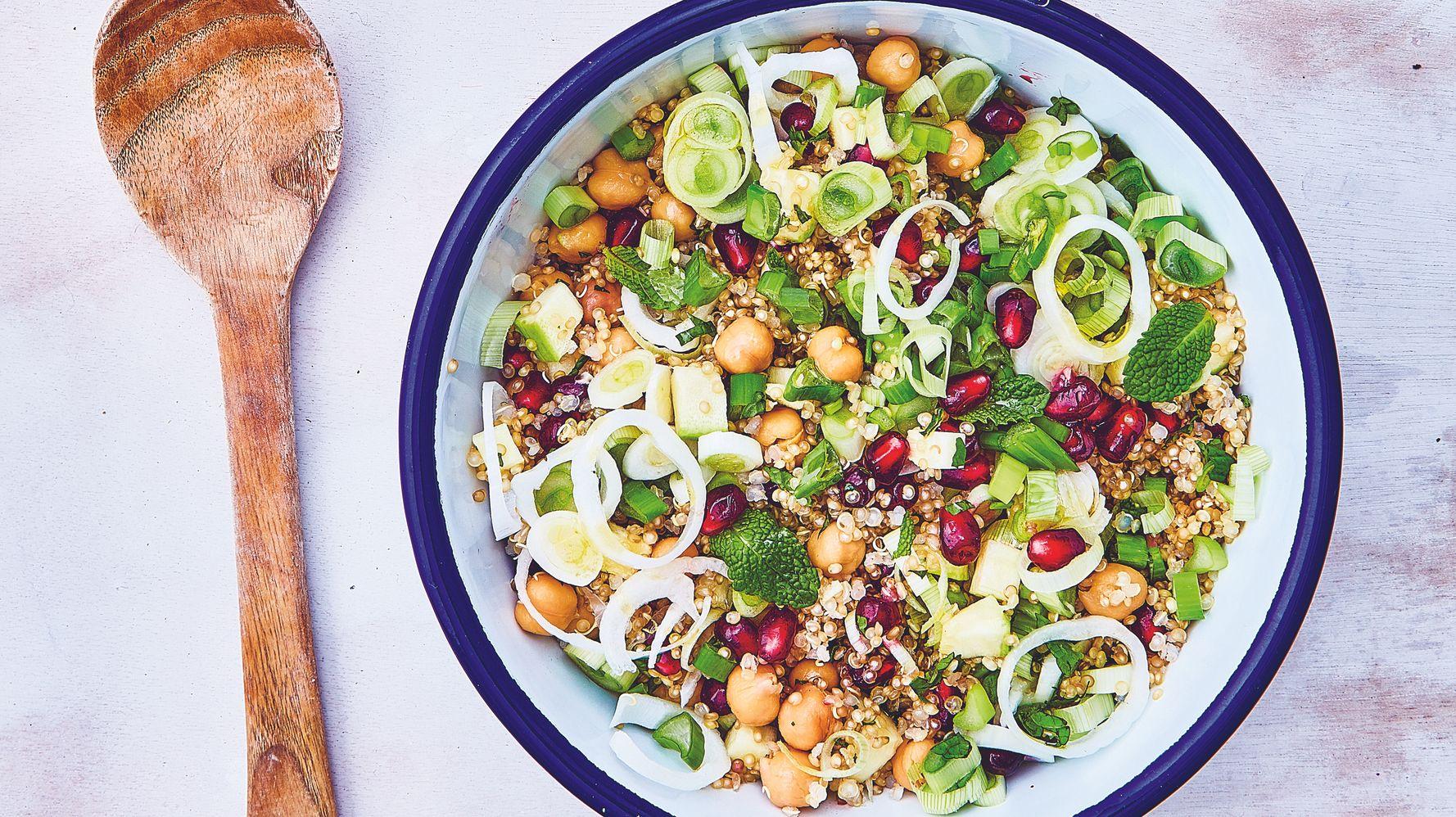 Une semaine de recettes de salades fraîches et colorées à apporter au bureau