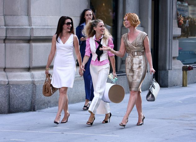 Kristin Davis, Sarah Jessica Parker and Cynthia Nixon on the set of the first Sex And The City film in