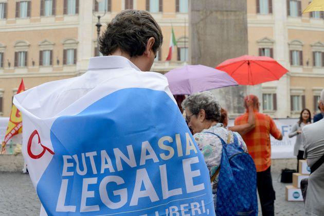 Eutanasia legale, firmiamo per mettere fine all'ipocrisia