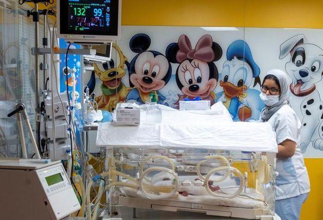 Dà alla luce 10 neonati: parto da record in