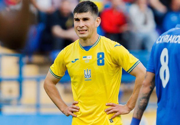 Ruslan Malinovskiy en un partido amistoso de Ucrania con Chipre el pasado lunes, con la nueva camiseta...