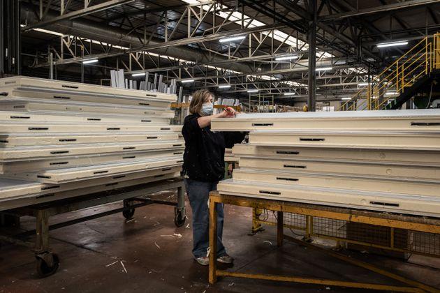 Istat: nel primo trimestre calo 889.000 occupati in un