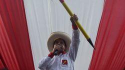 Pedro Castillo, el humilde maestro al que las élites