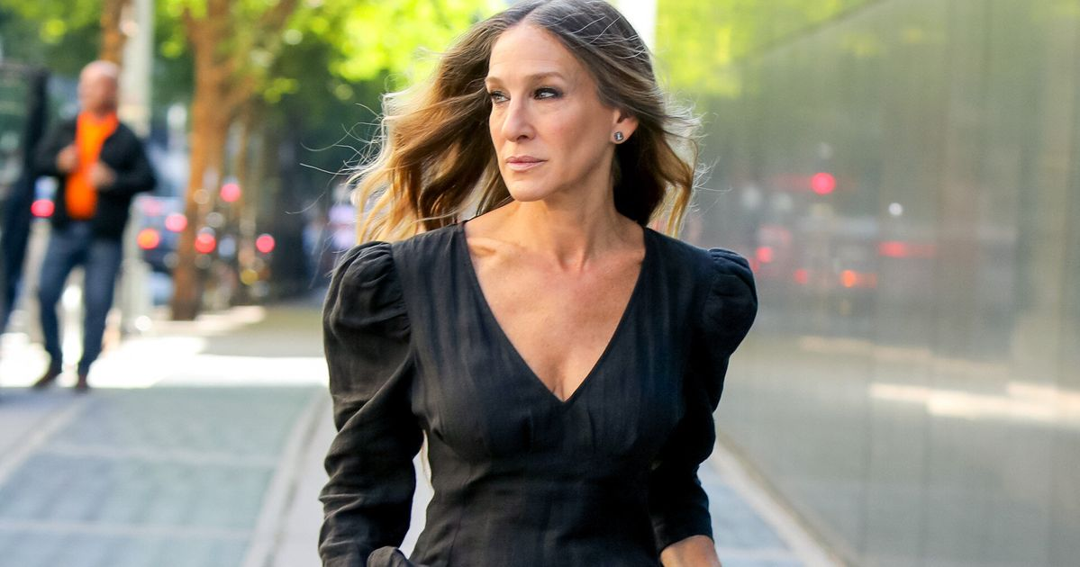 Sarah Jessica Parker Shares First-Look Photo Of Reunited Sex And The City Cast