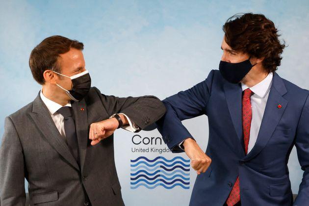Emmanuel Macron et le premier ministre canadien Justin Trudeau photographiés masqués au