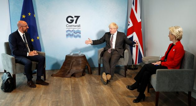 Ο «καυγάς» Ε.Ε.-Βρετανίας για το Brexit και τη Β.Ιραλνδία επισκιάζει τη σύνοδο της