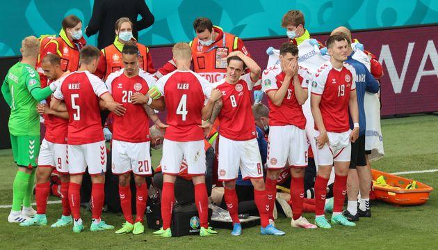 Juste avant la mi-temps du match entre le Danemark et la Finlande, le joueur danois Christian Eriksen...