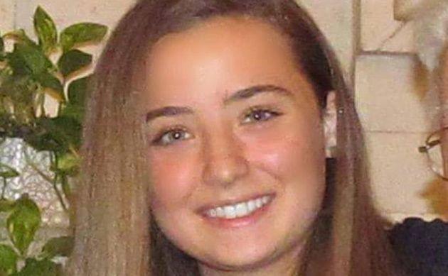 Una foto di Camilla Canepa presa dal suo profilo Facebook. La 18enne di Sestri Levante ricoverata domenica...