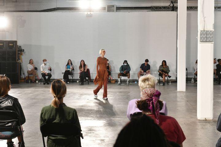 Ενα από τα μόλις τέσσερα φυσικά σόου που έγιναν στην εβδομάδα μόδας του Λονδίνου ήταν το Reuben Selby Show.