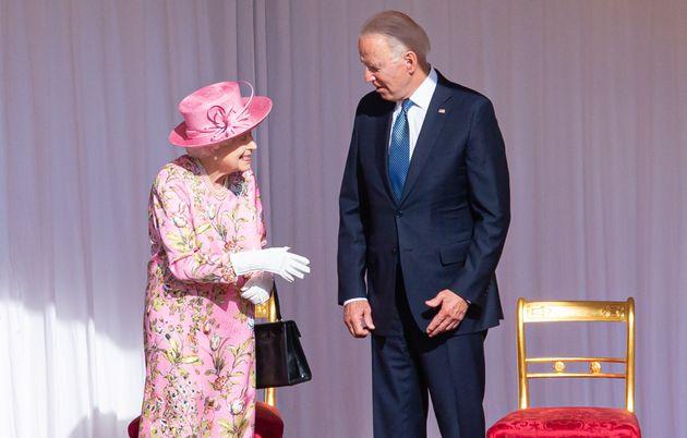 La reina Isabel II y el presidente estadounidense, Joe Biden, en el Castillo de Windsor, este