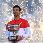 Djokovic renverse Tsitsipas à Roland-Garros et gagne son 19e tournoi du Grand
