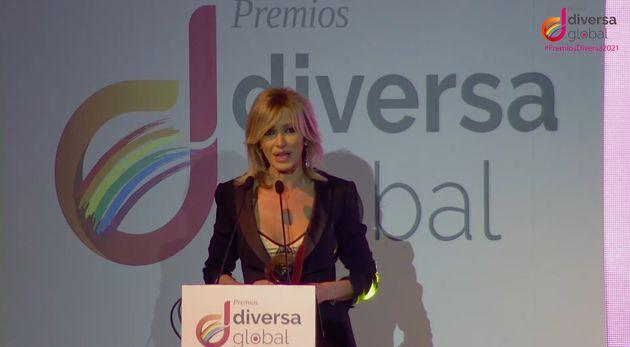 Susanna Griso recoge el premio Diversa de
