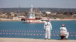 Draghi, no Salvini: Italia bloquea a cinco barcos de rescate de