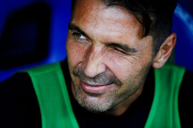 Gigi Buffon torna al Parma in Serie B, 26 anni dopo il
