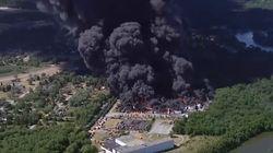 Evacuadas cientos de personas tras un gran incendio en una planta química en Illinois