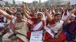 Una mujer es obligada a marchar desnuda por un pueblo en India como