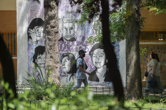 Mural feminista en Villa de