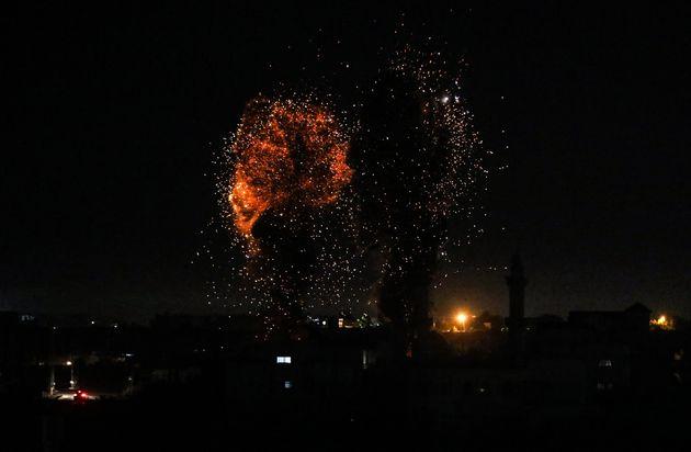Νέα πλήγματα του Ισραήλ στη Γάζα, «τρίζει» η εκεχειρία με την