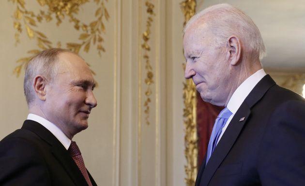Biden e Putin, 4 ore di incontro a Ginevra. Deciso il ritorno degli