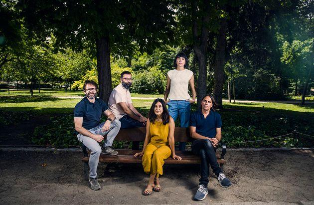 De izquierda a derecha, Alberto Marini, Fran Araújo, Isa Campo, Isabel Peña y Rafael Cobos, guionistas...
