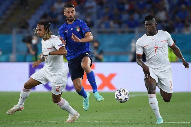 Italia se mete en octavos de la Eurocopa tras arrasar contra