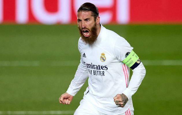 Ramos celebra uno de sus muchos goles con la camiseta