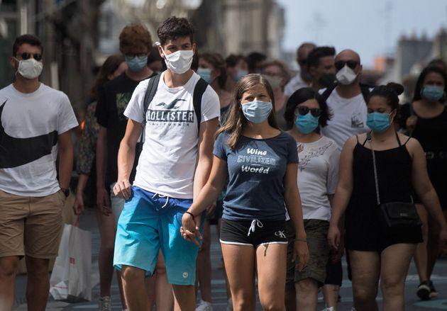 Chaque jour, le masque redevient obligatoire dans de nouvelles villes en France. (photo