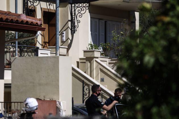 Δολοφονία στα Γλυκά Νερά: Με ελικόπτερο μεταφέρεται στη ΓΑΔΑ ο