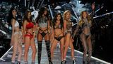 """VICTORIA'S SECRET FASHION SHOW HOLIDAY SPECIAL - Victoria's Secret's legendary Angels take to the runway for the 2018 Victoria's Secret Holiday Special, showcasing an all-star lineup of musical guests, including Bebe Rexha, The Chainsmokers, Halsey, Kelsea Ballerini, Rita Ora, Shawn Mendes and The Struts. Merging fashion, fantasy and entertainment, """"The Victoria's Secret Fashion Show Holiday Special"""" will air SUNDAY, DEC. 2 (10:0011:00 p.m. EST), on The Walt Disney Television via Getty Images Television Network.   (Jeff Neira via Getty Images) MING XI, GRACE ELIZABETH, CINDY BRUNA, SARA SAMPAIO, STELLA MAXWELL, ROMEE STRIJD"""
