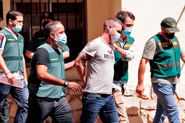 GAgentes de la Guardia Civil trasladan a David S.O., de 30 años, detenido en relación con la desaparición,...