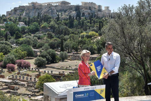 epa09278933 European Commission President Ursula von der Leyen and Greek Prime Minister Kyriakos Mitsotakis...