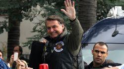 Bolsonaro asegura que llevar mascarilla en el coche puede provocar