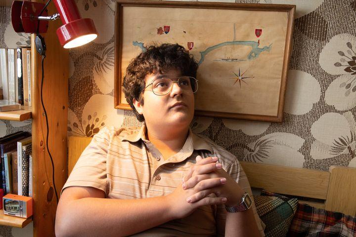 El actor Gabriel Sánchez interpreta a Bob Pop de adolescente.
