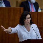 Isabel Díaz Ayuso responde por sorpresa a un tuit de 100 Montaditos sobre