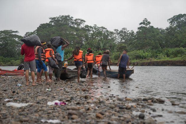 Transferencia de migrantes desde Bajo