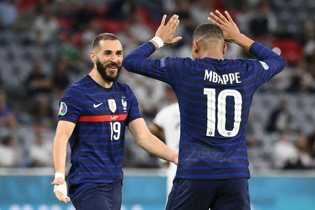 L'Equipe de France de Karim Benzema et de Kylian Mbappé arrive en terrain hostile à