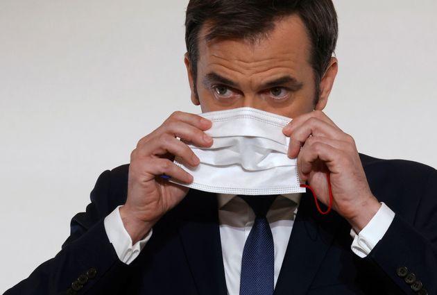 Olivier Véran en conférence de presse à Paris, le 22 avril