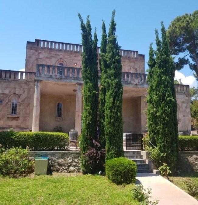 Αποψη του κήπου που περιβάλλει την βίλα Σικελιανού - Πάλμερ