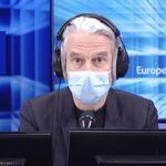 Sur Europe1, Philippe Vandel annule en direct son émission en raison de la