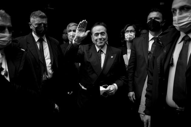 Berlusconi vuole il busto al