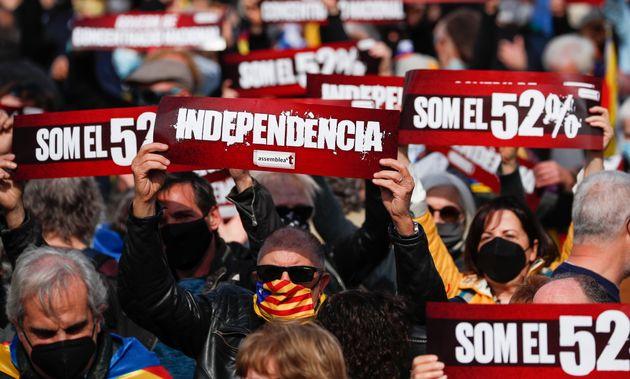 Le gouvernement espagnol va gracier les indépendantistes catalans (qui en espéraient davantage)