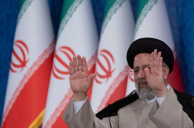 Iran: Raisi giura davanti a rappresentanti di 73 Paesi