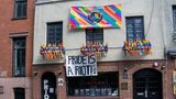 Stonewall Inn, Christopher Street, New York City, New York, USA. (Photo by: GHI/Education Images/Universal Images Group via Getty Images)