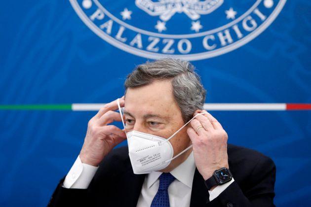 Covid-19: lItalie mettra fin le 28 juin au masque obligatoire à lextérieur